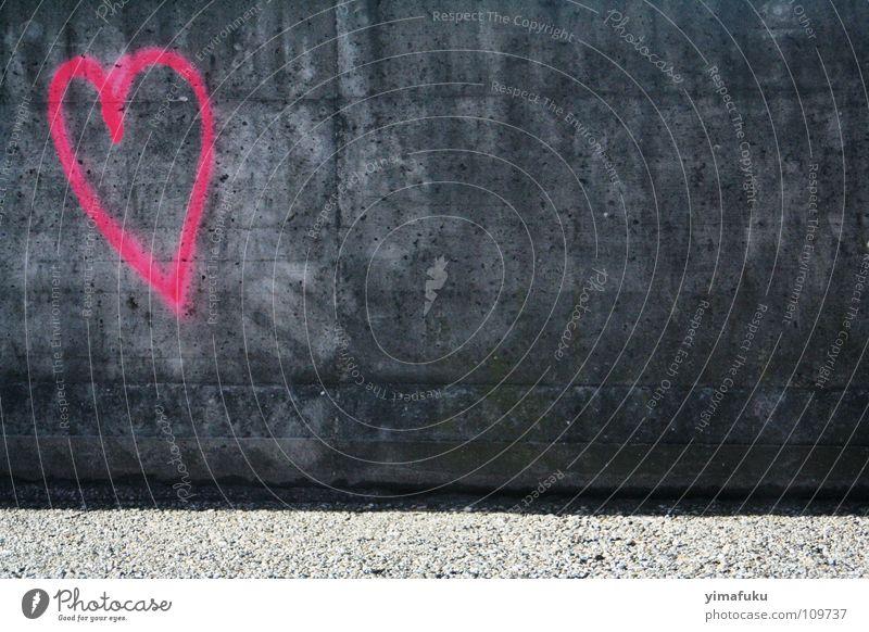 Concrete Love Liebe rosa Stadt Heart Graffiti Grey