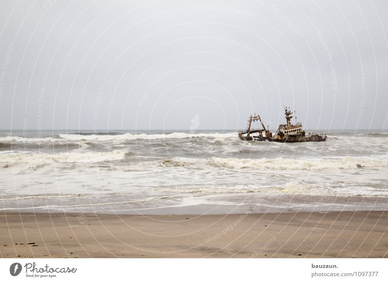 wrack. Ferien & Urlaub & Reisen Tourismus Ausflug Abenteuer Ferne Freiheit Sightseeing Sommer Umwelt Natur Sand Wasser Himmel Wolken Wetter Wind Sturm Wellen