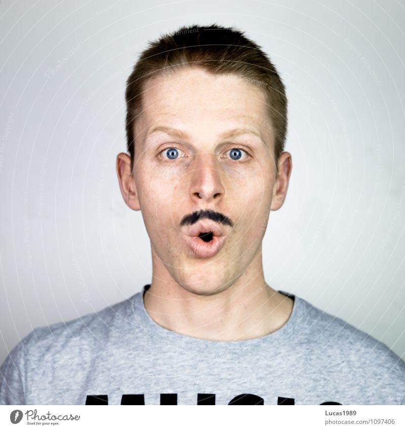 Hipster-Bart Mensch maskulin Junger Mann Jugendliche Erwachsene 1 18-30 Jahre T-Shirt Haare & Frisuren blond kurzhaarig Oberlippenbart außergewöhnlich Coolness