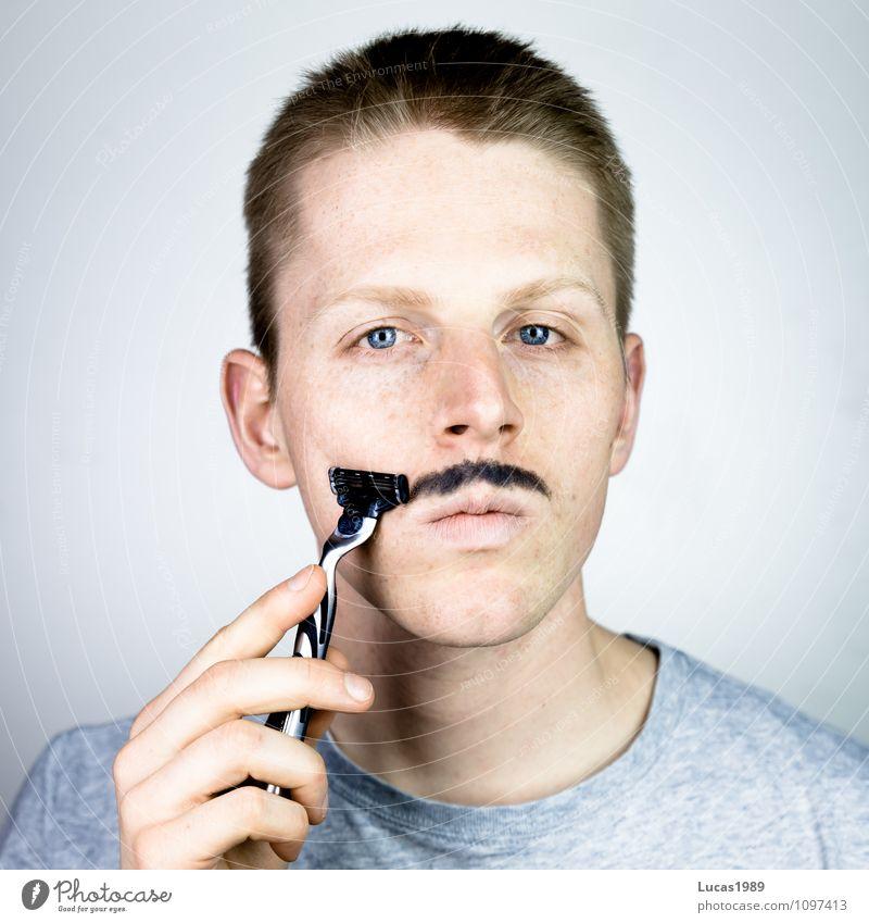 Schnurrbartrasur Mensch Jugendliche Mann Junger Mann 18-30 Jahre Erwachsene maskulin T-Shirt Körperpflege Bart Irritation stachelig Oberlippenbart Rasierer