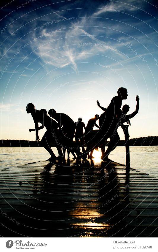 kein Titel Jugendliche Wasser Himmel Sonne rot Freude ruhig Wolken Freiheit Glück Freundschaft Zufriedenheit Küste Aktion Schwimmen & Baden Unendlichkeit