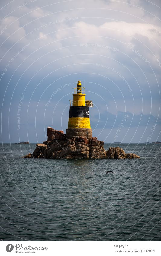 Dingsda Himmel Natur Ferien & Urlaub & Reisen blau Sommer Meer Landschaft Ferne gelb Wege & Pfade Felsen Horizont Wetter Klima Insel Ausflug