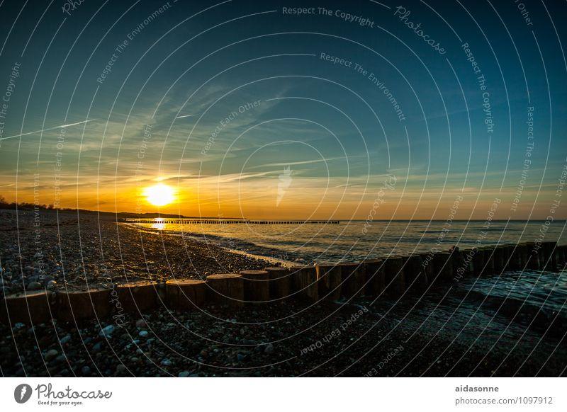 Abends am Strand Natur Landschaft Wasser Sonnenaufgang Sonnenuntergang Schönes Wetter Ostsee Zufriedenheit Lebensfreude Romantik friedlich achtsam Vorsicht