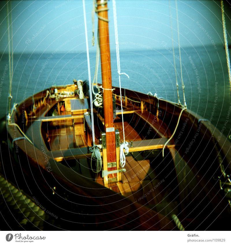 Auswanderer Himmel Meer Sommer Holz Horizont Wasserfahrzeug Seil Bank Idylle fallen Schifffahrt Segeln Steg Strommast Tourist Segelboot