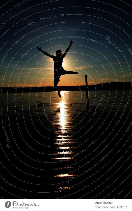 touch the sun Steg mehrfarbig Wolken Unendlichkeit Freiheit Silhouette Sonnenuntergang rot ruhig Aktion harmonisch Verlauf Schulausflug Jugendliche Sommer