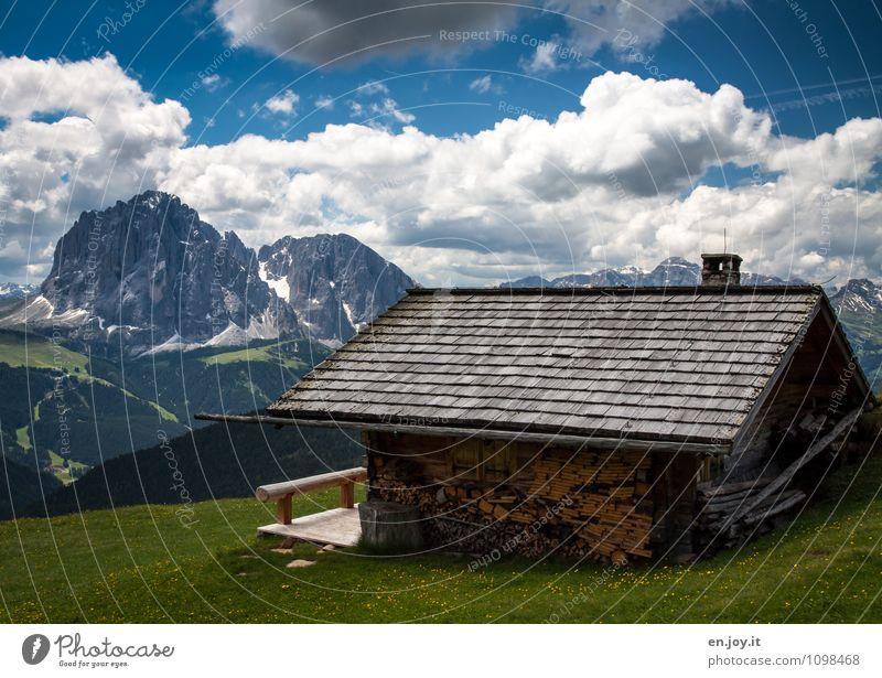 Holz vor der Hütte Himmel Natur Ferien & Urlaub & Reisen Sommer Erholung Landschaft ruhig Wolken Haus Ferne Berge u. Gebirge Wiese Frühling Freiheit Idylle