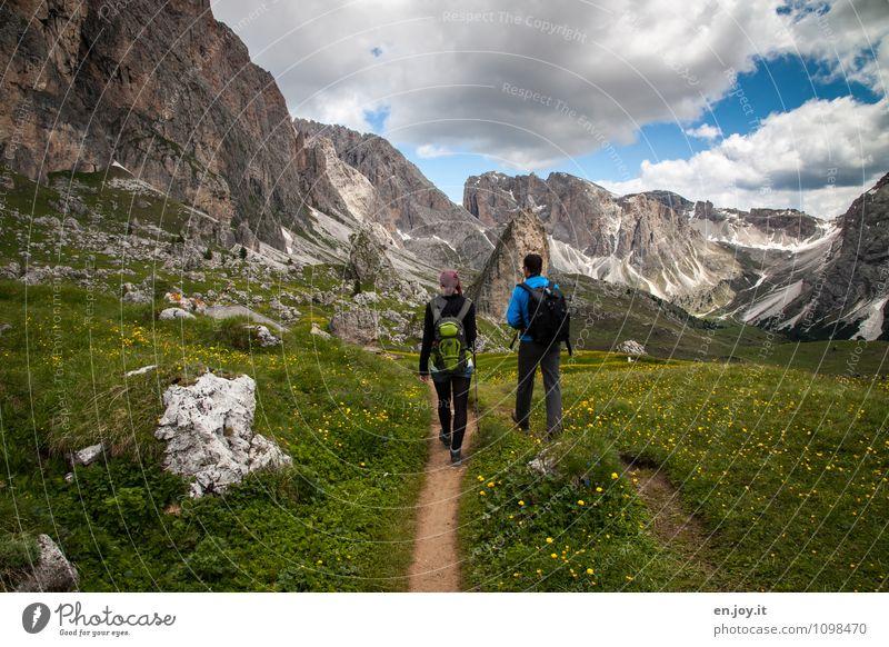 das tut gut Mensch Himmel Natur Ferien & Urlaub & Reisen Pflanze Sommer Landschaft Wolken Berge u. Gebirge Leben Gras Frühling Wege & Pfade Freiheit Idylle