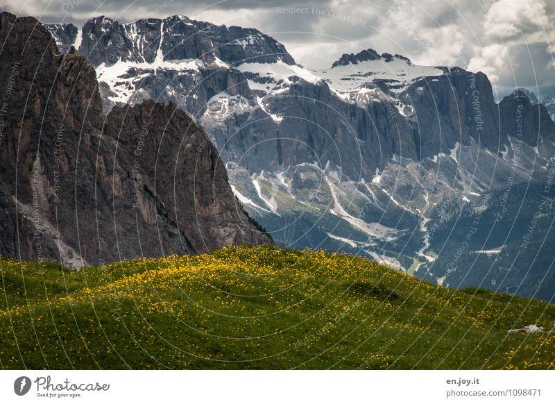 Hügel Berg Gebirge Ferien & Urlaub & Reisen Abenteuer Freiheit Sommer Sommerurlaub Berge u. Gebirge Natur Landschaft Pflanze Wolken Frühling Gras Blumenwiese