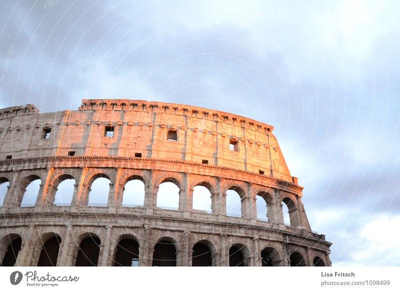 kolosseum Ferien & Urlaub & Reisen Tourismus Ausflug Sightseeing Städtereise Architektur Rom Italien Stadt Altstadt Bauwerk Sehenswürdigkeit Kolosseum