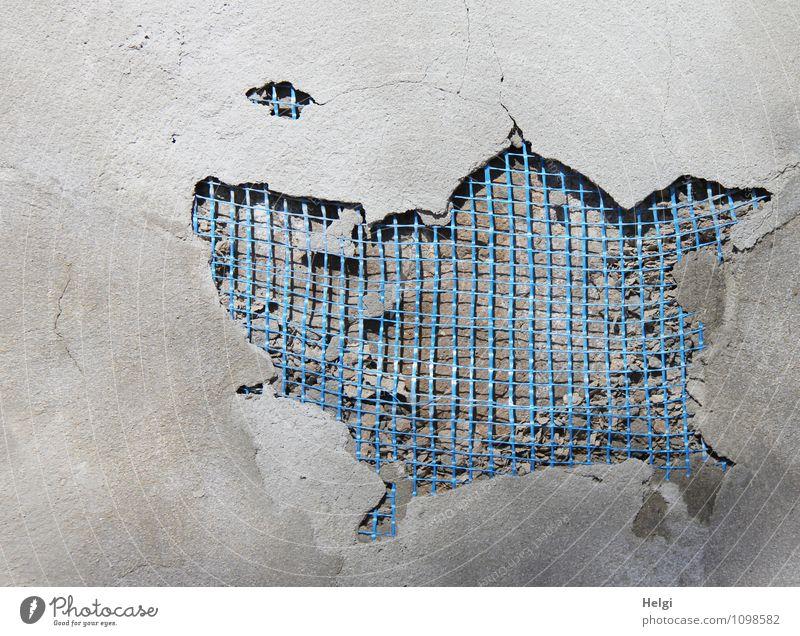 Kunst am Bau... Mauer Wand Putz Putzfassade Metall authentisch außergewöhnlich eckig fantastisch einzigartig lustig blau grau bizarr Kreativität Netzwerk