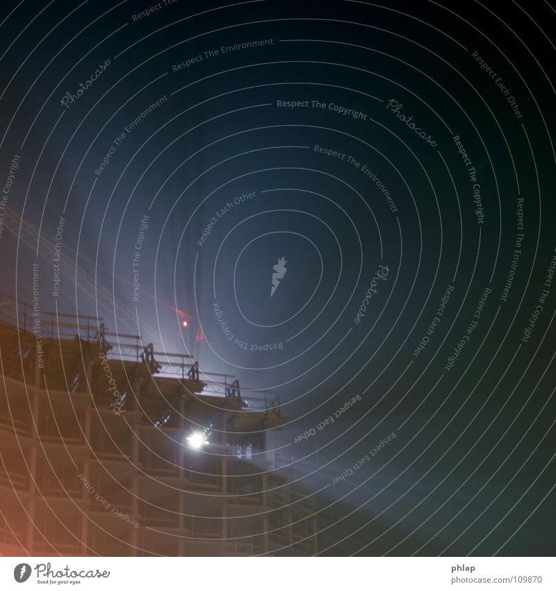 Nebelscheinwerfer Baustelle Baugerüst Neubau Nacht Licht Krakow dunkel schwarz Arbeit & Erwerbstätigkeit Architektur Scheinwerfer blau