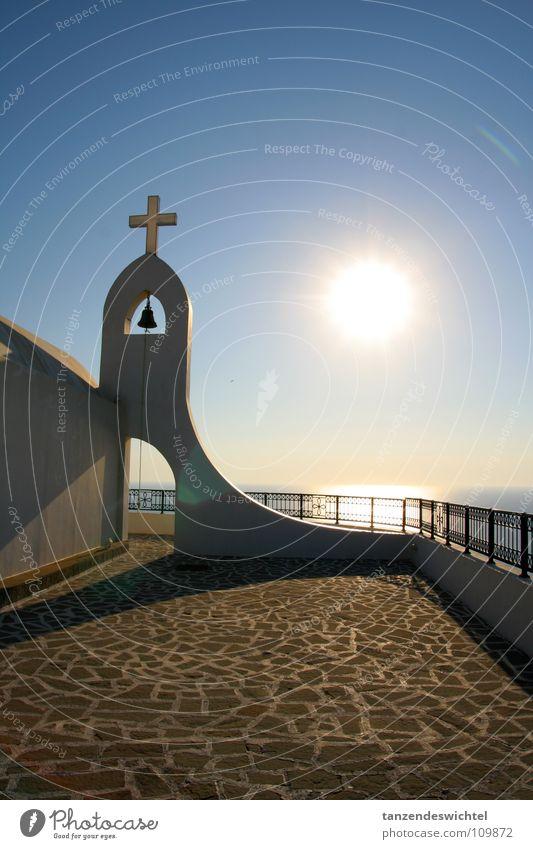 morgendliche stille auf rhodos Himmel Sonne Meer Ferien & Urlaub & Reisen ruhig Erholung Wärme See Religion & Glaube Rücken Kopfsteinpflaster Geländer