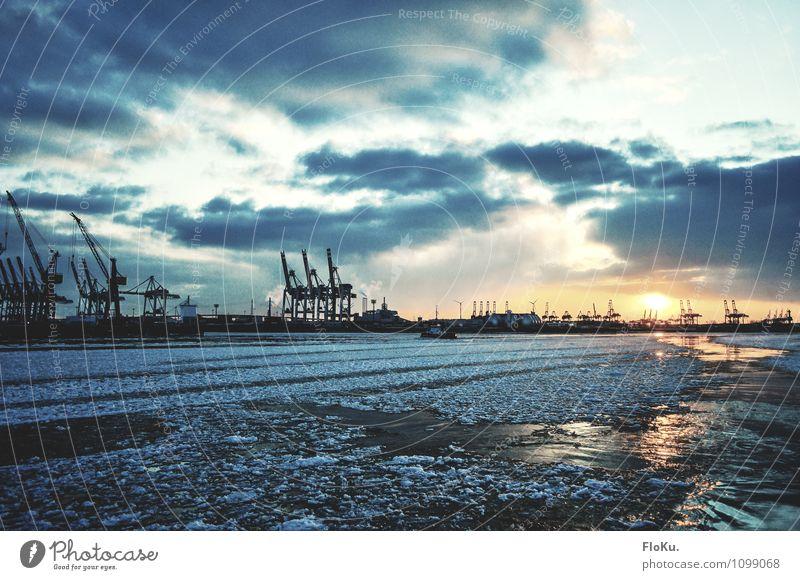 Winter in Hamburg Städtereise Wasser Himmel Wolken Sonne Sonnenaufgang Sonnenuntergang Sonnenlicht Klima Wetter Eis Frost Wellen Flussufer Elbe Hafenstadt