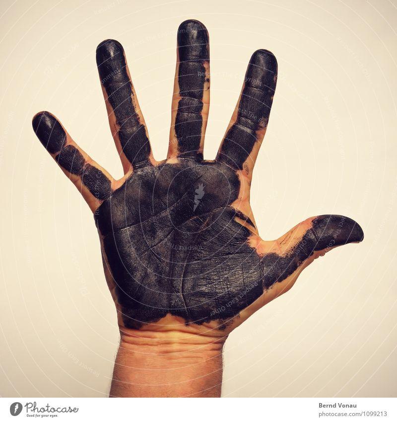 Schwarzarbeit Mensch maskulin Hand Finger braun gelb schwarz dreckig Tinte Tusche Arbeit & Erwerbstätigkeit hochhalten Gruß Haut bedeckt Kreativität Abdruck