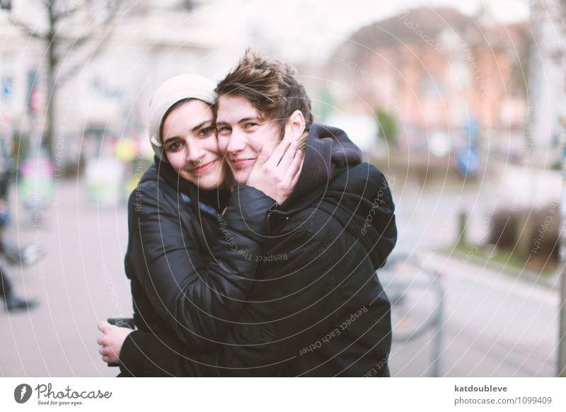 Weekenders on our own androgyn Homosexualität Lächeln Liebe authentisch frei Freundlichkeit Zusammensein Glück Akzeptanz Vertrauen Schutz Geborgenheit Sympathie