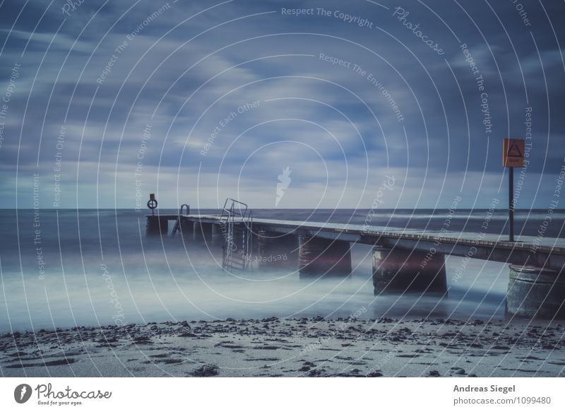Was bleibt [10 Jahre@Photocase] Natur Ferien & Urlaub & Reisen Wasser Sommer Meer Landschaft Wolken Strand dunkel Umwelt Küste Treppe Nebel trist Wellen