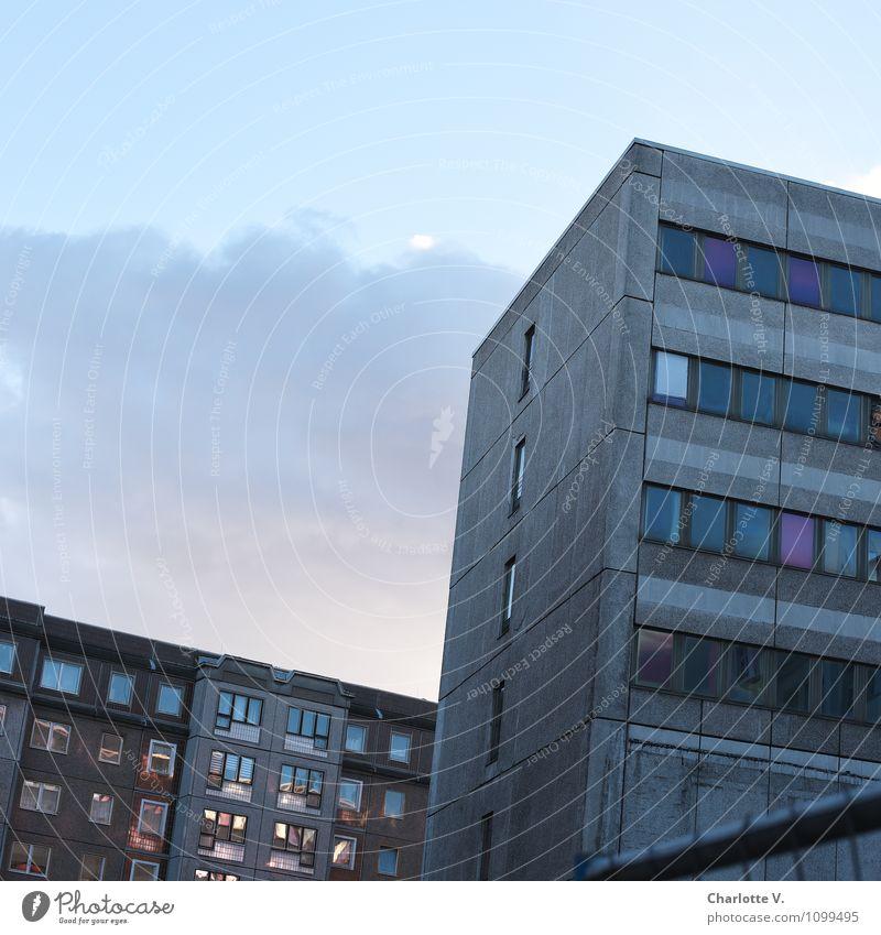 Abend Berlin Berlin-Mitte Deutschland Europa Hauptstadt Stadtzentrum Menschenleer Hochhaus Gebäude Architektur Bürogebäude Wohnhochhaus Fassade Fenster Beton