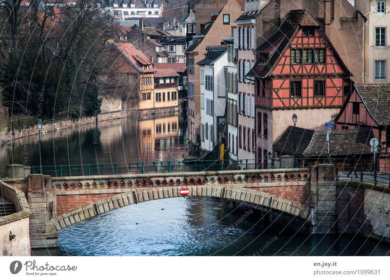 Klein Frankreich Ferien & Urlaub & Reisen Stadt Haus Gebäude Häusliches Leben Idylle Tourismus Ausflug Europa Brücke Romantik Fluss Tradition Verkehrswege