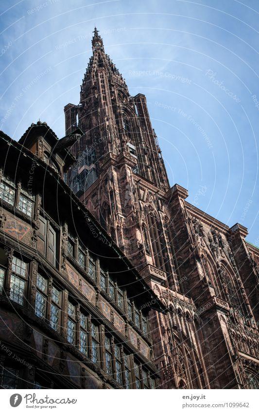 ganz schön alt Himmel Ferien & Urlaub & Reisen Stadt Architektur Gebäude Religion & Glaube Tourismus hoch Ausflug Spitze Kirche Schönes Wetter Bauwerk