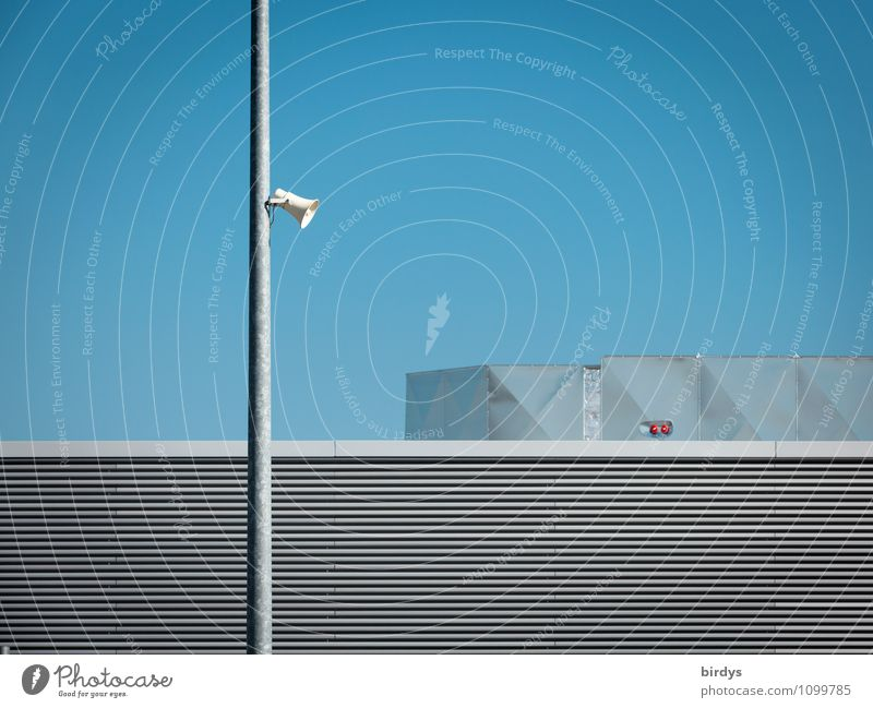Stille - dennoch keine Entspannung Technik & Technologie Wolkenloser Himmel Schönes Wetter Architektur Geländer Lautsprecher Megaphon Metall ästhetisch