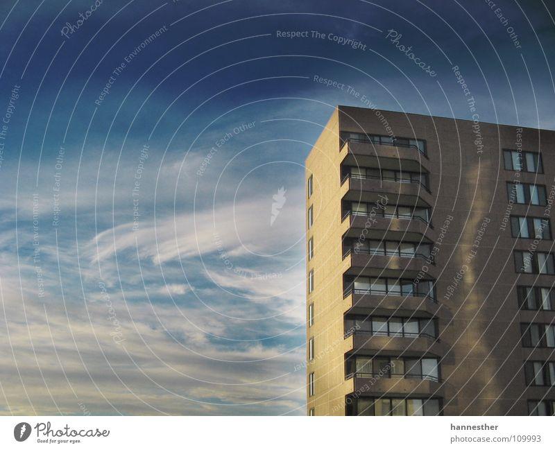 virginia Hotel Ferien & Urlaub & Reisen Arbeit & Erwerbstätigkeit Amerika Virginia Haus Hochhaus Reflexion & Spiegelung Wolken Fenster eng laut USA Himmel