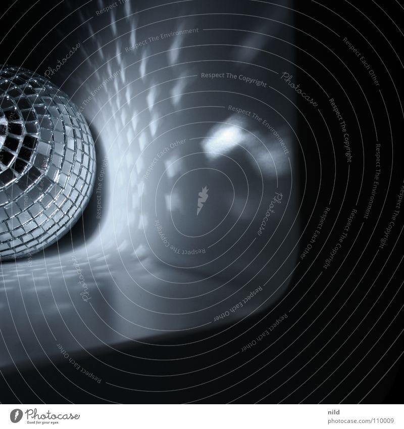 miniaturdisco dunkel Party Musik Tanzen gehen Disco Spiegel Club Quadrat Diskjockey Nachtleben Lightshow Hiphop Tanzfläche Lichtpunkt