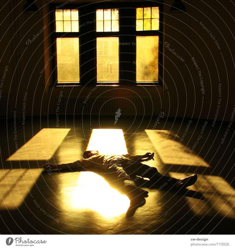 150th - chillen in front of the fenster Erholung Lichtkegel Fenster Bodenbelag Kaugummi Fußgänger zeitlos stehen Mann maskulin Ferien & Urlaub & Reisen