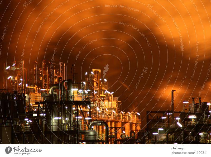 Industrie Feuer 1 Himmel blau rot schwarz dunkel PKW Wärme Linie braun Beleuchtung Metall Umwelt hoch Energiewirtschaft Elektrizität