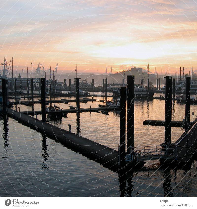 Landungsbrücken Sonnenuntergang Meer Anlegestelle Wasserfahrzeug Romantik Kran Nebel Hafen Hamburg Himmelskörper & Weltall Hafenmohle Musicaldome