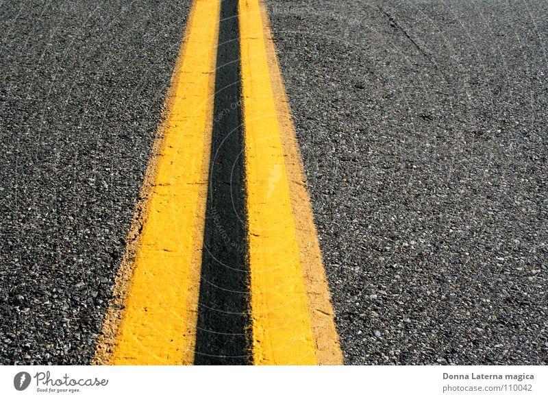 die lange Dünne dünn Geometrie gelb schwarz grau Biene Asphalt Mittellinie Zukunft Ferien & Urlaub & Reisen Amerika Kalifornien Kieselsteine Verkehrswege Linie