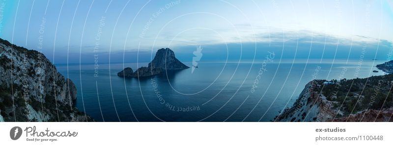 Es ist Vedra (Ibiza) Wasser Horizont Sonnenaufgang Sonnenuntergang Sommer Klima Wetter Felsen Strand Bucht Fjord Meer trist blau Spanien Farbfoto Außenaufnahme