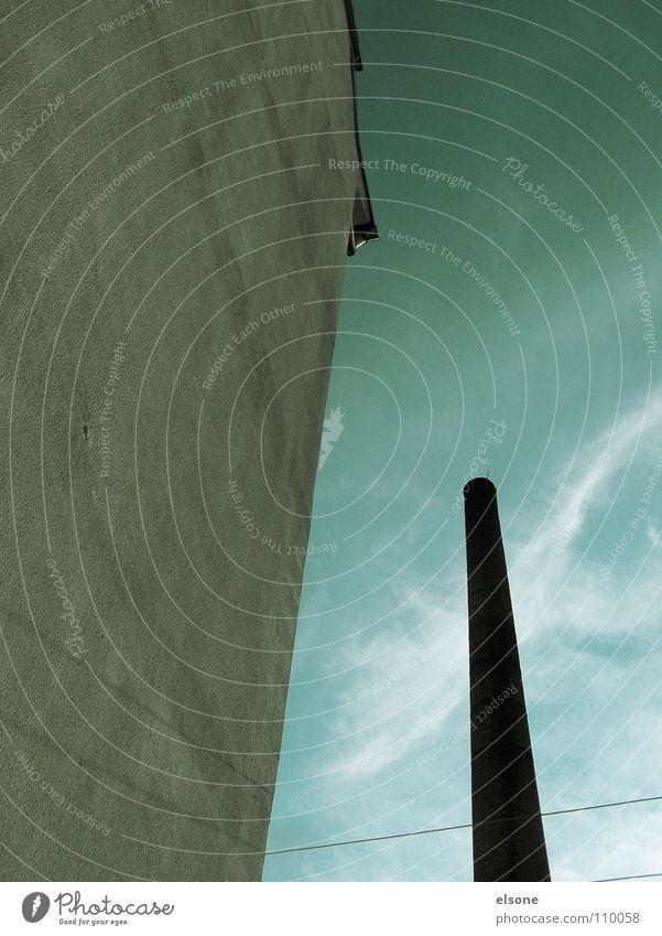 ::CHIMNEY:: Haus Gebäude Fabrik Elektrizität Fassade Dachgiebel Mauer Wand Putz grau einfach massiv Riesa Wolken schwarz grün Detailaufnahme Industrie