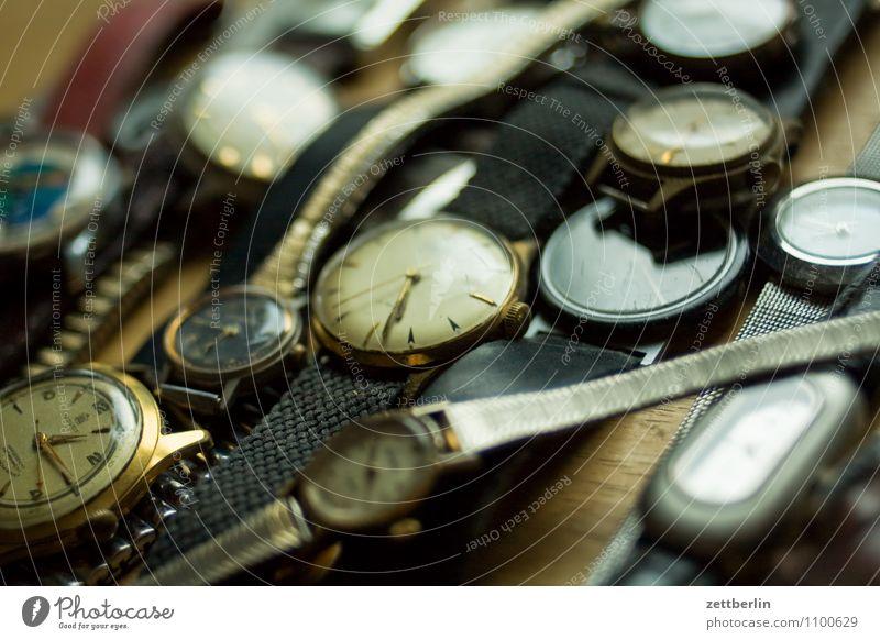 Noch mehr alte Uhren Zeit Ewigkeit Zifferblatt Zeitzeuge Zeitspuren Schmuck Uhrenzeiger Armband Gegenwart Vergangenheit Zukunft Herr Dame Armbanduhr antik Erbe