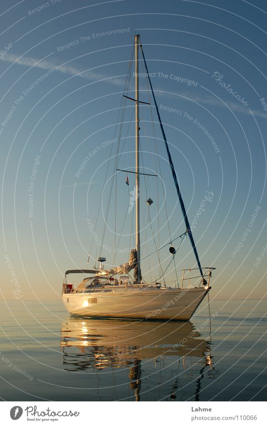 vor Anker Himmel Wasser Meer Wasserfahrzeug Spiegel Schifffahrt Segeln Segelboot Wassersport Anker Kondensstreifen Ijsselmeer
