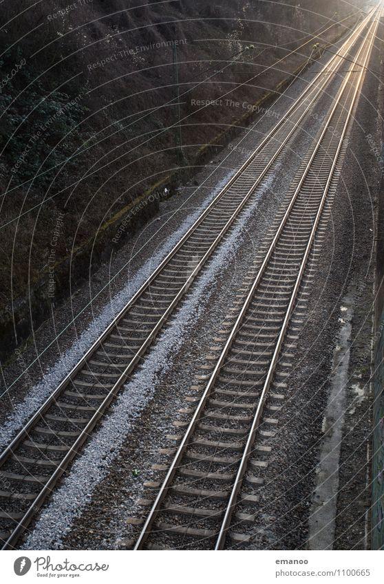 leere Gleise Linie Verkehr Technik & Technologie Geschwindigkeit Eisenbahn Industrie Güterverkehr & Logistik fahren Ende Verkehrswege diagonal Personenverkehr