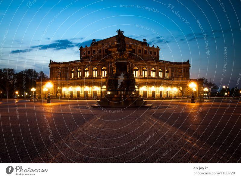 frontal Himmel Ferien & Urlaub & Reisen Stadt blau gelb Gebäude Deutschland leuchten elegant Tourismus Europa Kultur Pferd Bauwerk Denkmal Hauptstadt
