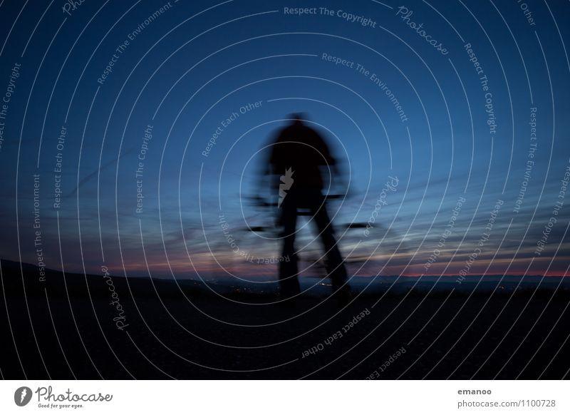 Radler Mensch Himmel Natur Ferien & Urlaub & Reisen blau Landschaft Wolken Ferne Straße Bewegung Wege & Pfade Sport Freiheit Lifestyle Freizeit & Hobby Körper