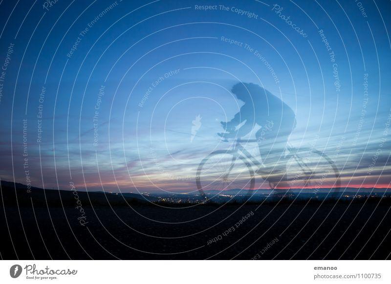 Das Radgespenst Mensch Ferien & Urlaub & Reisen Mann blau Freude Ferne Erwachsene Straße Leben Sport Freiheit Lifestyle Freizeit & Hobby Körper Tourismus