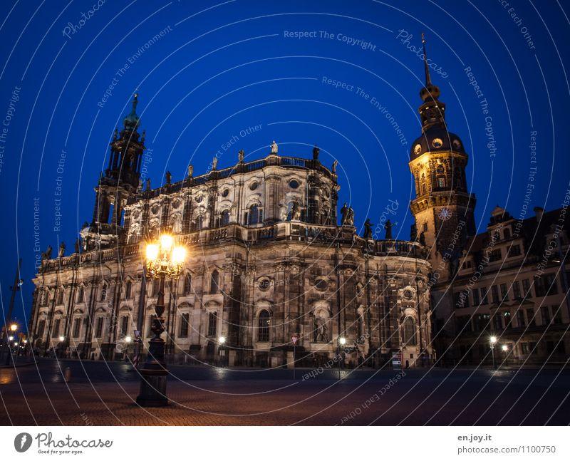 Hofkirche Ferien & Urlaub & Reisen Stadt blau Umwelt Gebäude Religion & Glaube Deutschland leuchten Tourismus Ausflug Kirche Turm Straßenbeleuchtung Bauwerk