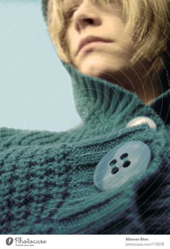 Strick chic. Frau Himmel blau grün Ferne Winter Gesicht Wärme Herbst Haare & Frisuren Kopf blond Bekleidung retro weich türkis