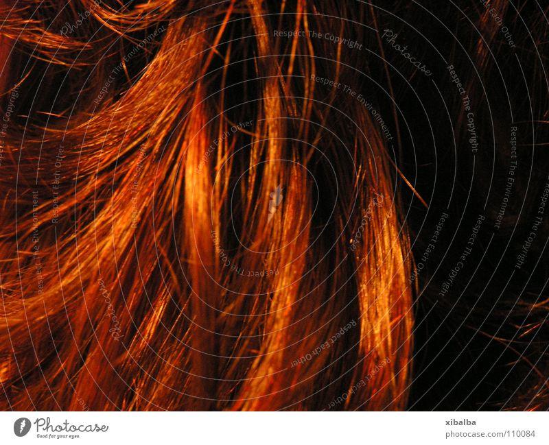 Feuerrot Farbe Haare & Frisuren orange glänzend Locken Haarsträhne