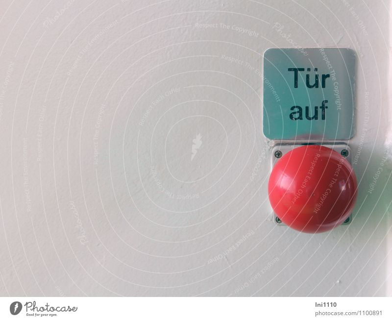 Tür auf blau weiß rot schwarz Bewegung grau Metall glänzend Tourismus Schilder & Markierungen Energie Hinweisschild berühren Zeichen Coolness Hilfsbereitschaft