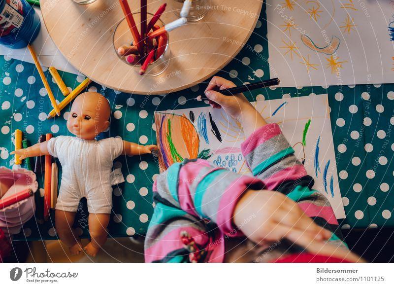 From Dots to Lines Mensch Kind blau Hand Freude Mädchen feminin rosa Freizeit & Hobby Kindheit Fröhlichkeit Kreativität Idee lernen Papier malen