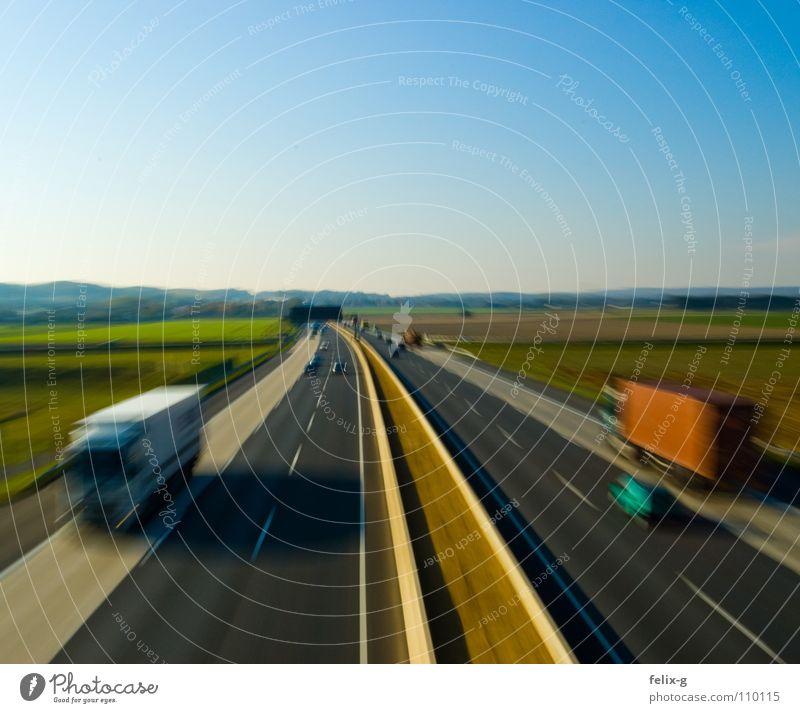 Brummi Landschaft Straße Bewegung Business PKW Verkehr Aussicht Geschwindigkeit Industrie Güterverkehr & Logistik fahren Autobahn Lastwagen Autofahren