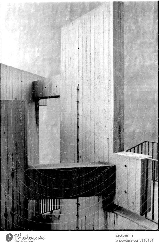 Alexanderplatz Architektur Stein Beton Treppe Baustelle Bauwerk Mineralien Wendeltreppe Markthalle