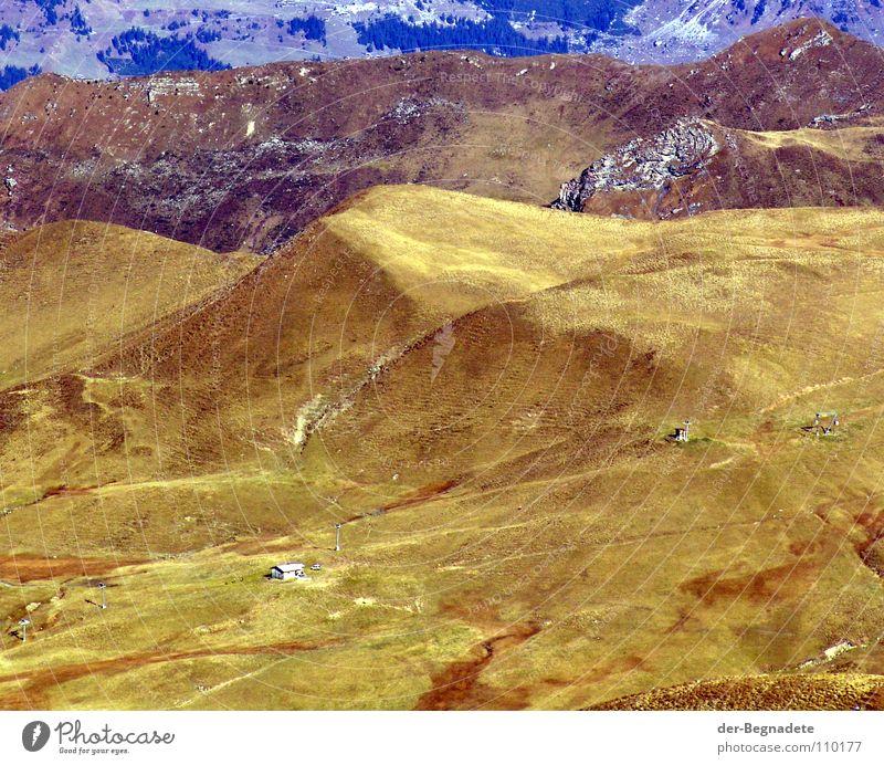 Mattis II Herbst Oktober Kanton Graubünden Schweiz Hügel Bergkuppe Bergkamm Horizont Berghang Freizeit & Hobby Ferien & Urlaub & Reisen wandern grün braun
