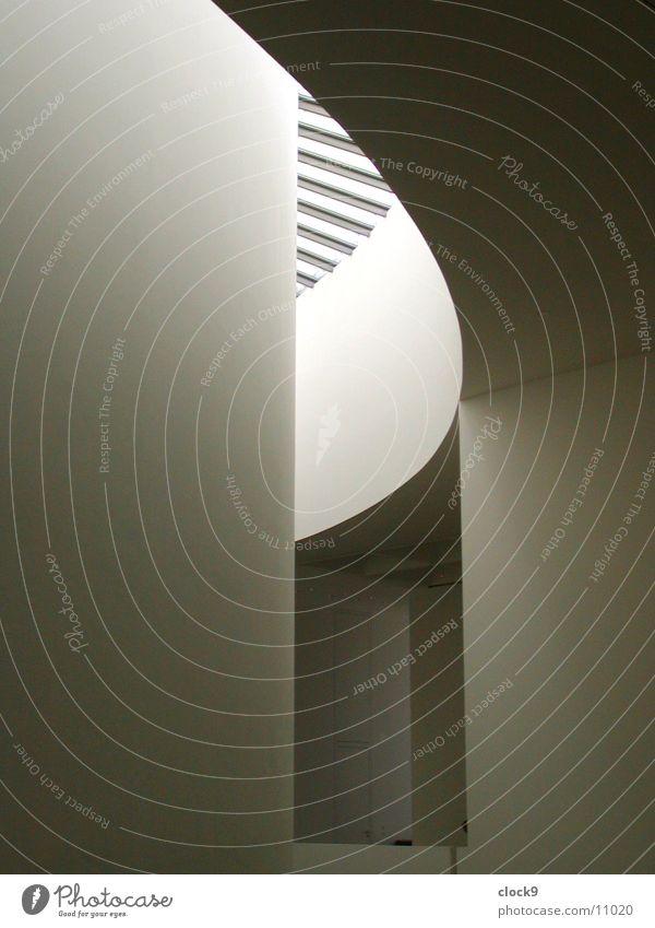 Licht im Dunkeln dunkel hell Raum Architektur München Lichtschacht Pinakothek