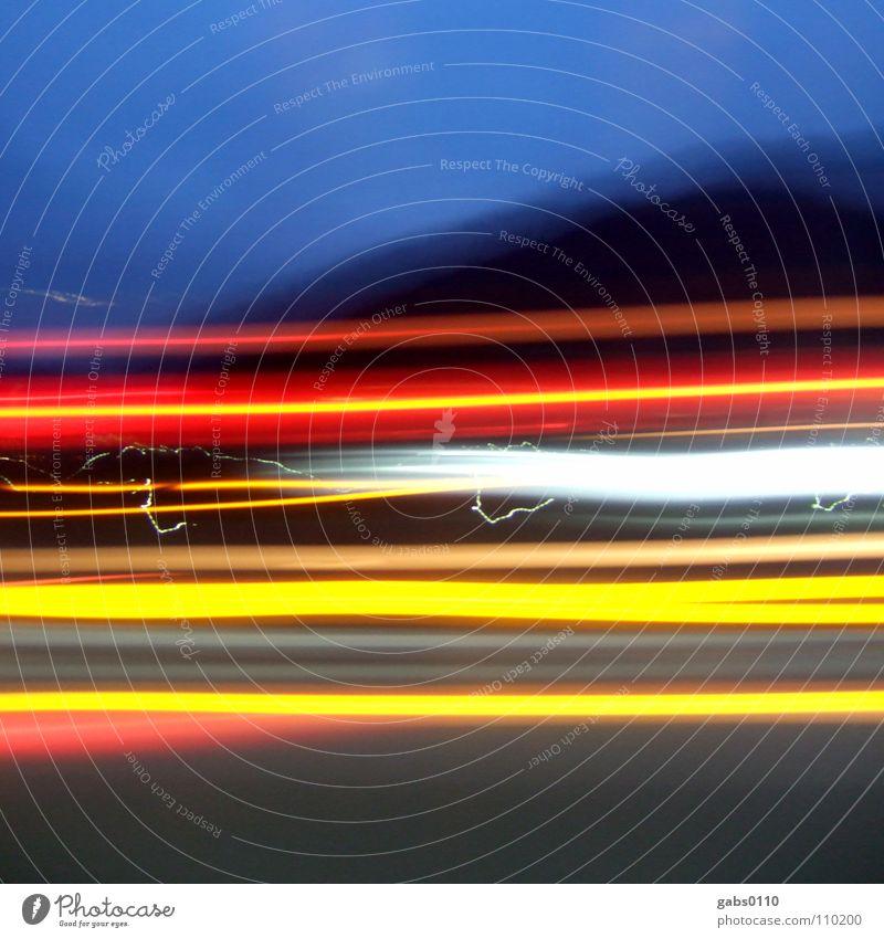 LKW Ferien & Urlaub & Reisen Verkehr Geschwindigkeit Elektrizität KFZ Güterverkehr & Logistik Streifen Lastwagen Autobahn Autofahren Scheinwerfer überholen