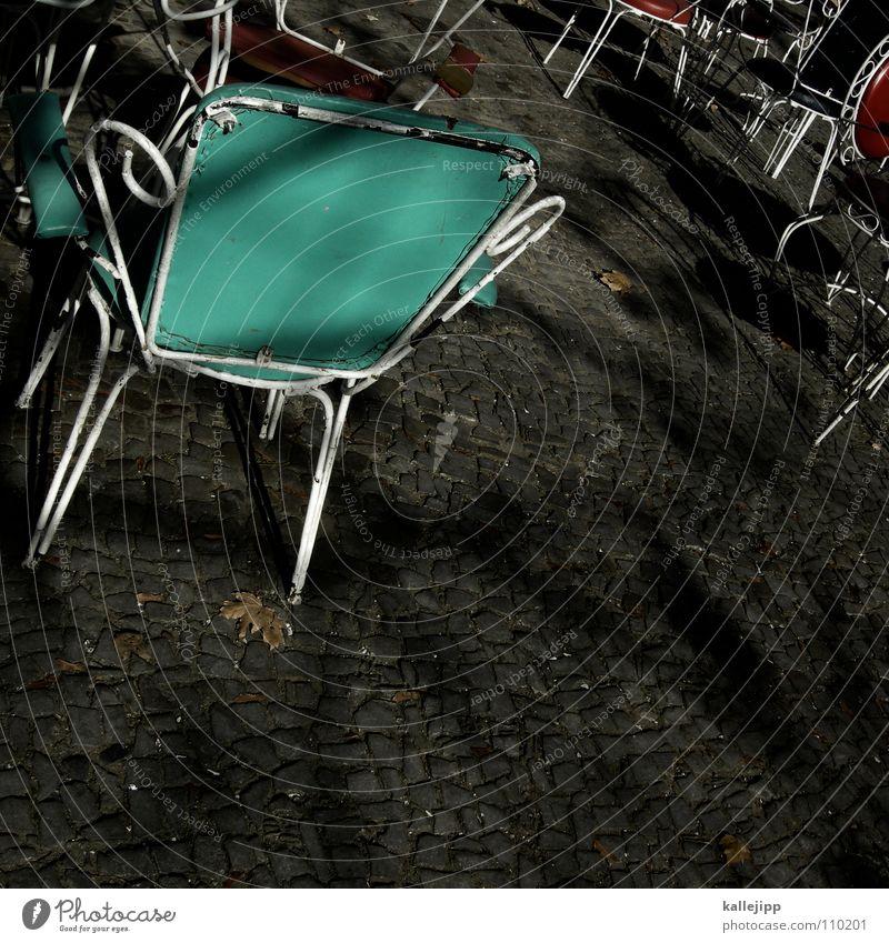 cofee to go Eis Tisch Platz Stuhl Gastronomie Ladengeschäft Café genießen Sitzgelegenheit Kellner Empfehlung Einkommen Fünfziger Jahre Mittagspause