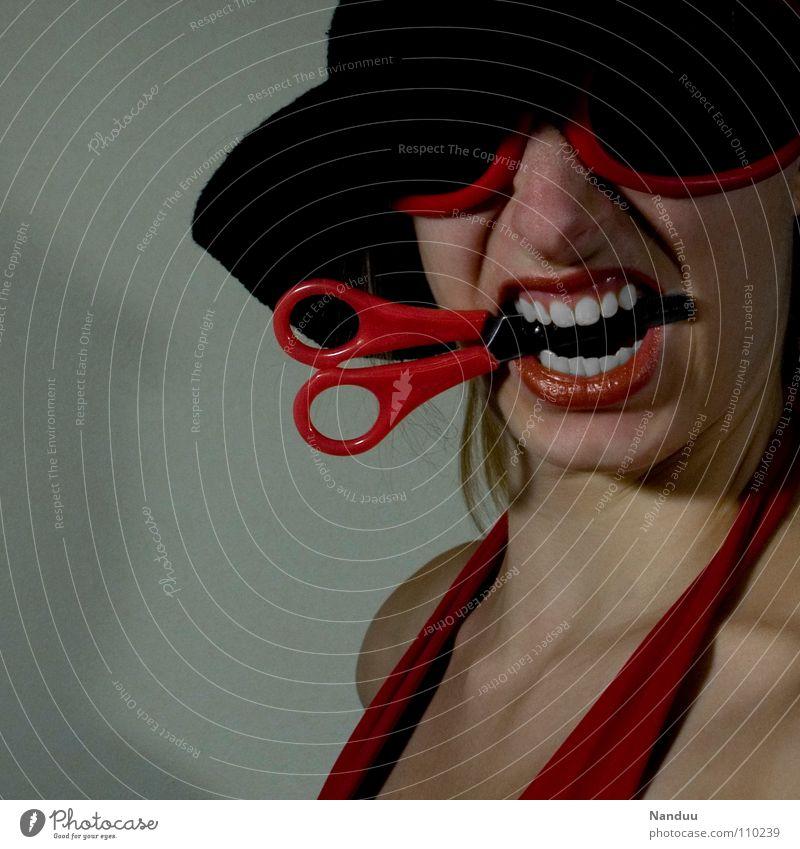 ¡ ¡ ¡ ROT ! ! ! Frau rot Gesicht Arbeit & Erwerbstätigkeit Mund Zähne Brille Karneval Handwerk Langeweile Freak Grimasse beißen Unsinn Basteln Haushalt